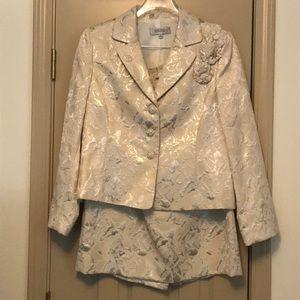 Gold Kasper 2 Piece Skirt Suit Size 12